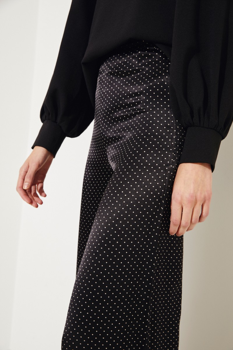 Fließende Hose mit Polka Dots Schwarz/Weiß