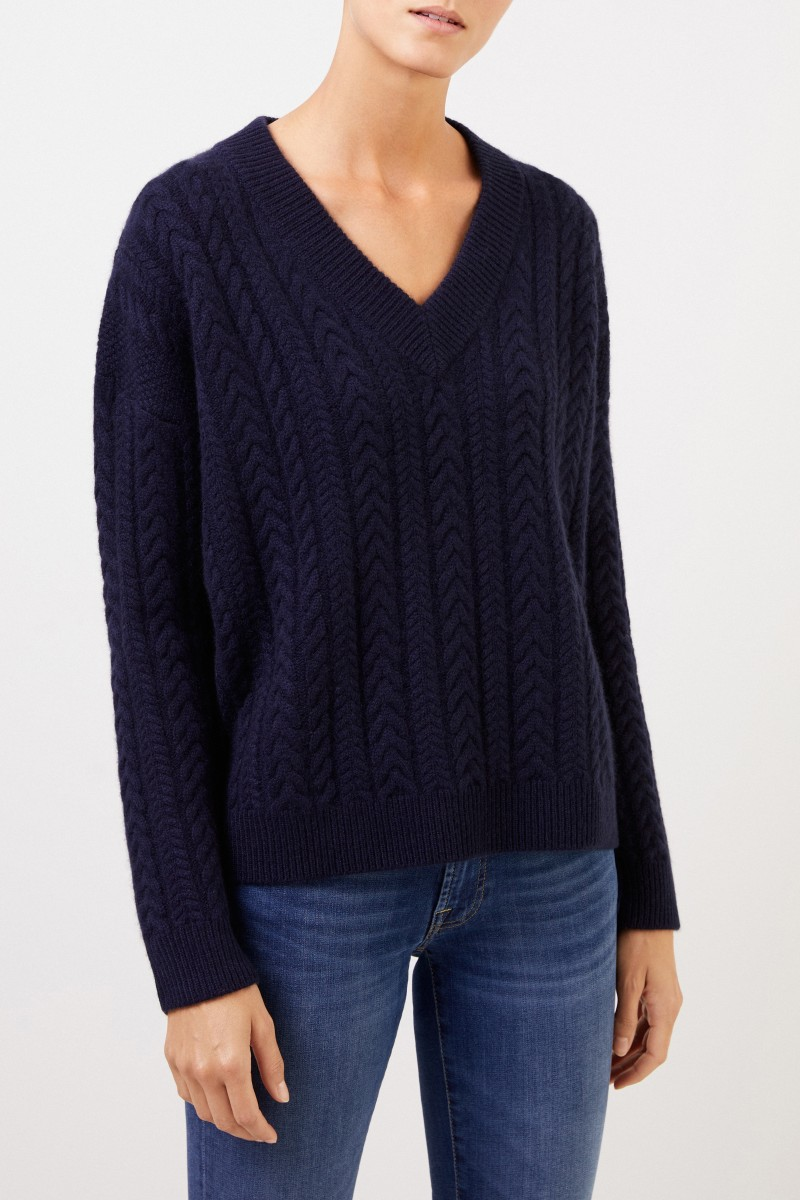 Uzwei V-neck cashmere pullover with cable stitch Navy