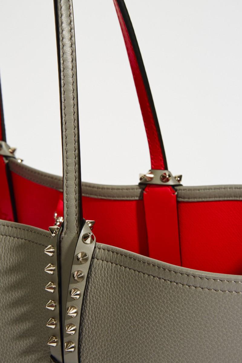 Christian Louboutin Shopper mit Nietendetails 'Cabata' Grau