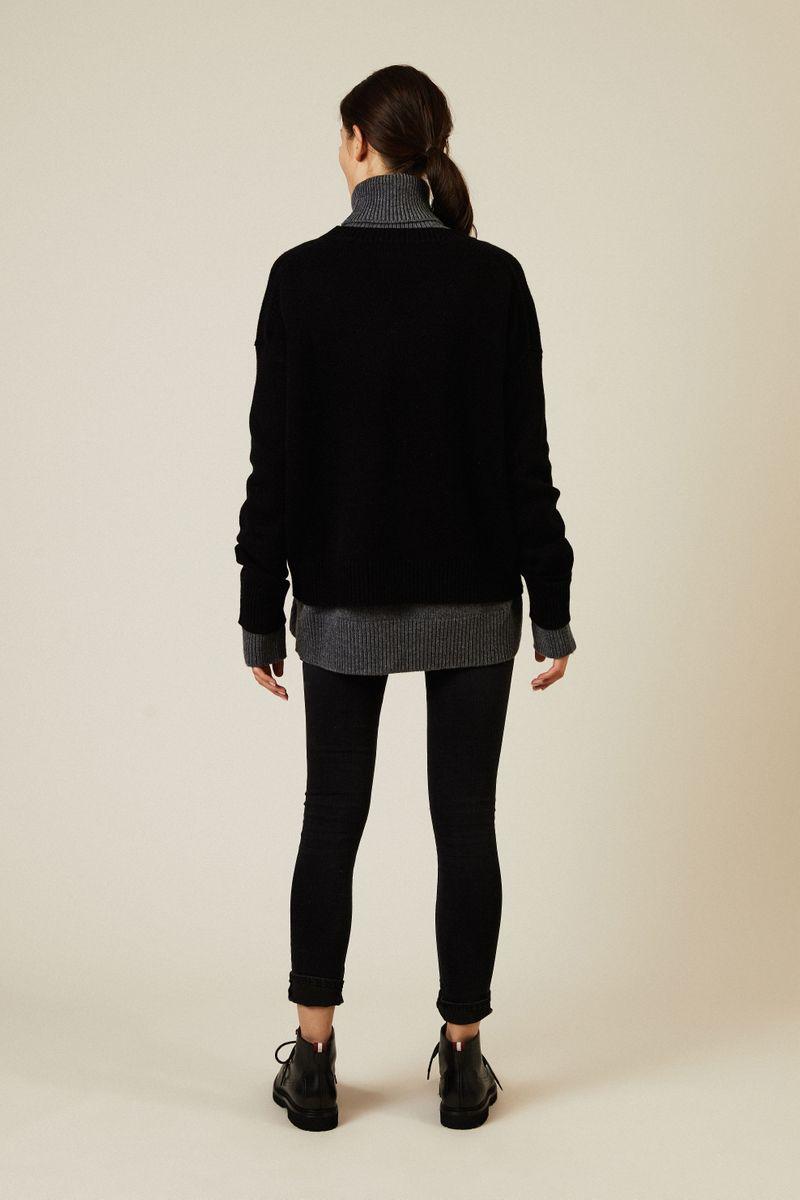 Oversize V-Neck Pullover Schwarz