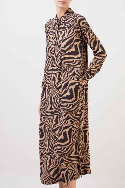 Ganni Langes Hemdblusenkleid mit Tigerprint Beige/Multi