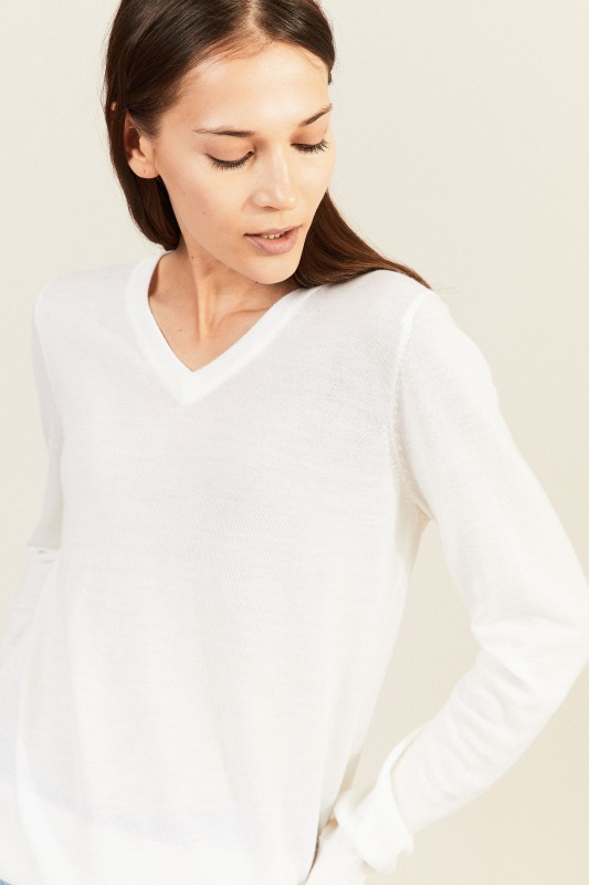 Woll-Pullover mit V-Neck Crémeweiß