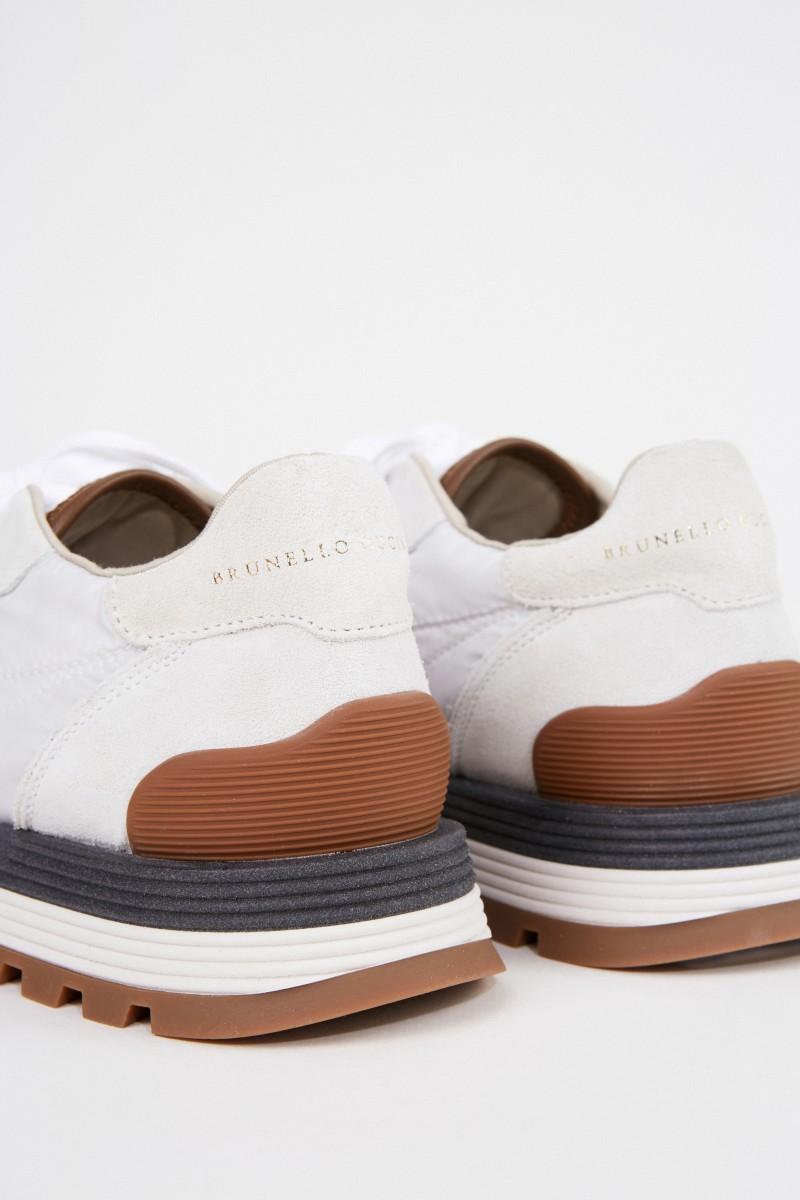 Brunello Cucinelli Veloursleder-Sneaker mir Perlenverzierung Hellgrau