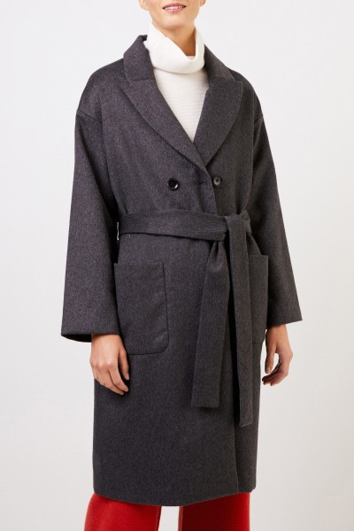 Uzwei Cashmere coat with binding detail Anthracite