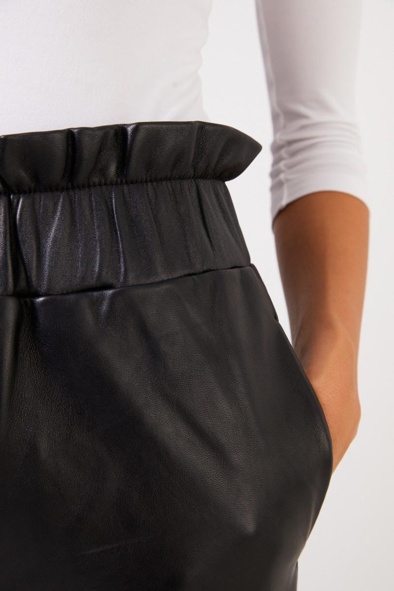 Ganni Lederhose mit elastischem Bund Schwarz