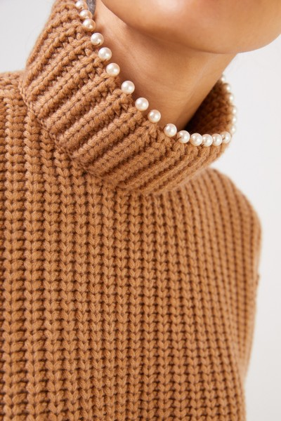 Loewe Cashmere sweater with pearl decoration Camel