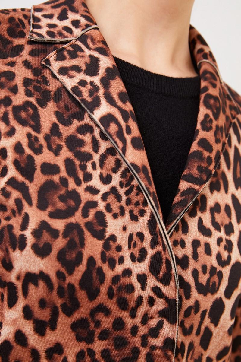 Kurzer Mantel mit Leoprint Multi