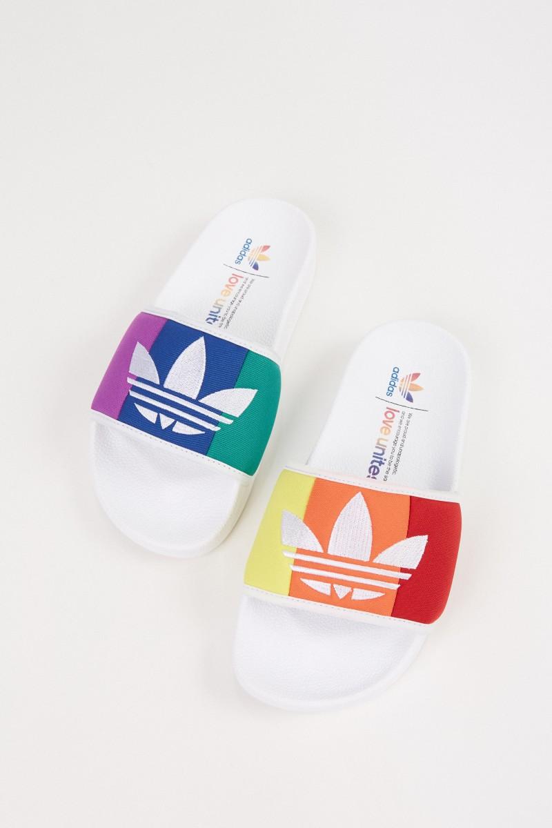 Adidas Adilette 'Pride' mit Streifenmuster Multi