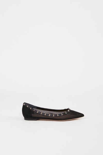 Pointed flat with spikes Black
