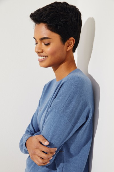 Cashmere -Pullover mit Perlenverzierung Blau