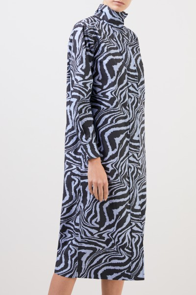 Ganni Langes Baumwoll-Kleid mit Tigerprint Blau/Multi