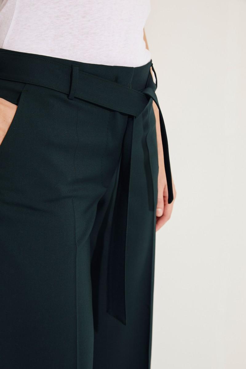 Woll-Hose 'Izabel' mit Gürtel Grün