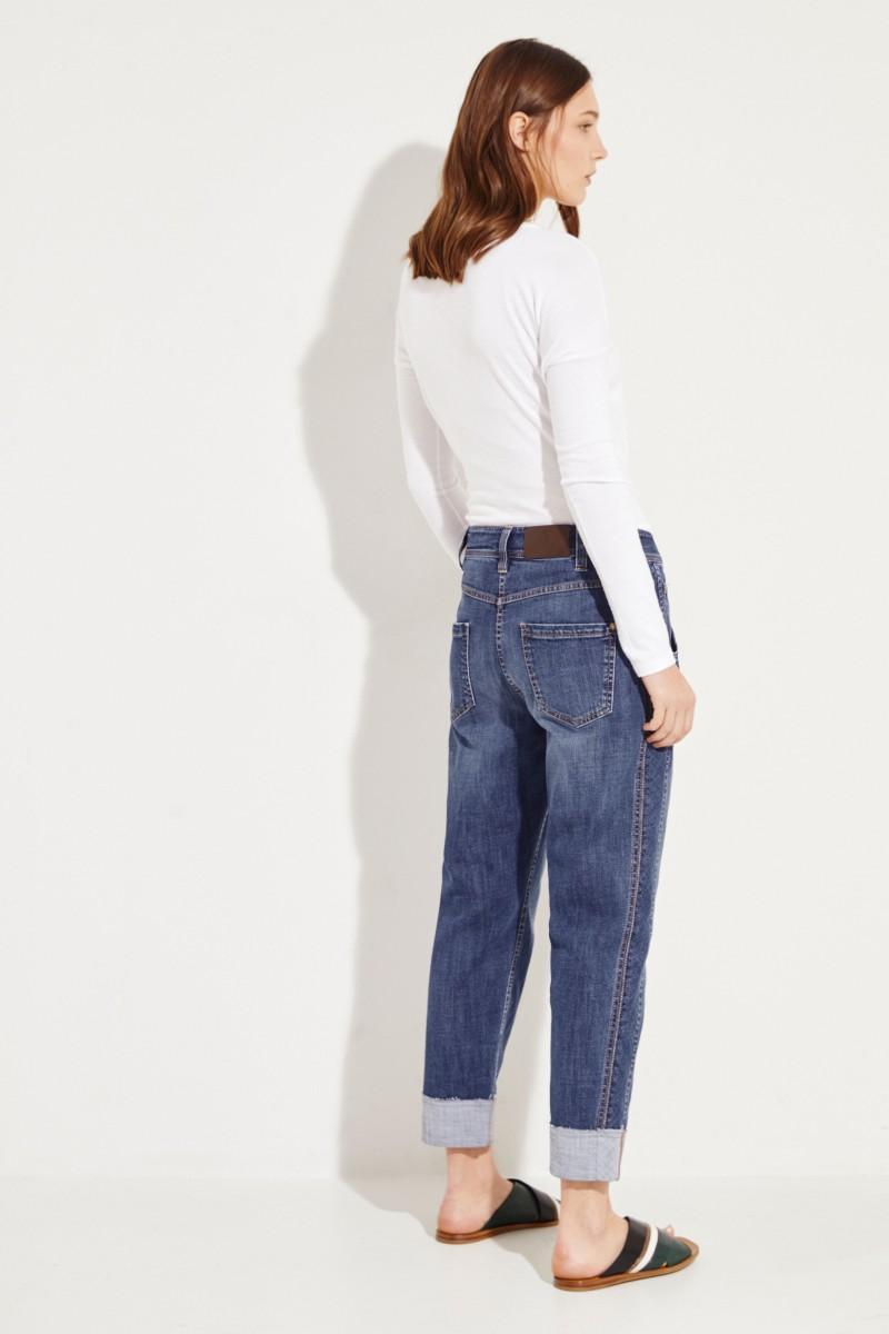 Mid-Rise Jeans mit Perlenverzierung Blau