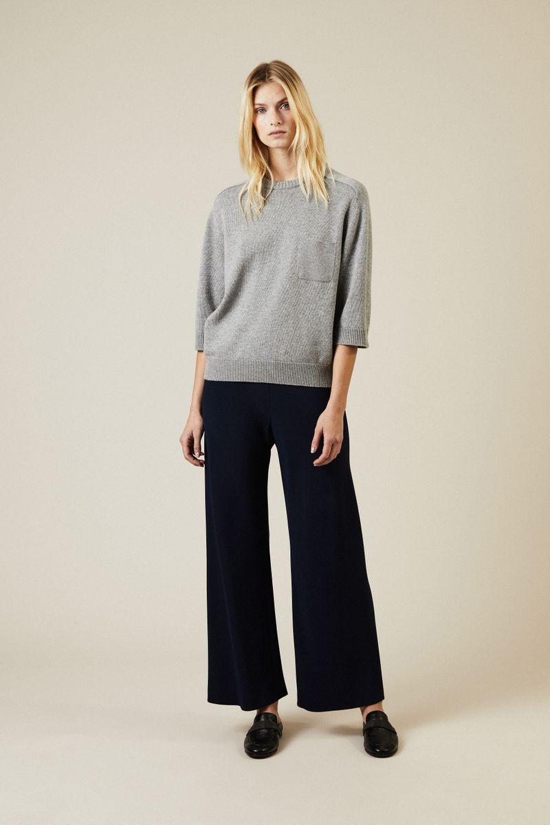 Cashmere Pullover mit aufgesetzter Brusttasche Grau