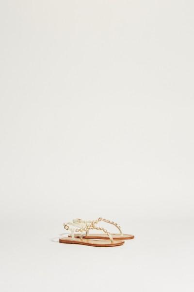 Sandale 'Emmy Pearl Thong' mit Perlenbesatz Weiß