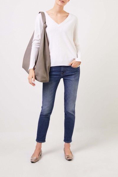 V-neck Cashmere pullover with slits Cream