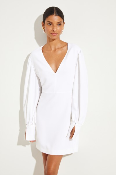 Kurzes Kleid mit V-Neck Weiß