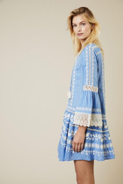 Kleid 'Gabriella' mit Stickerei und Spitze Blau/Weiß