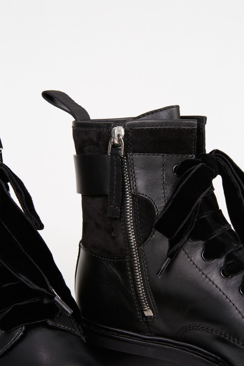 Roger Vivier Leder-Boots 'Viv rangers Strass Buckle' Schwarz