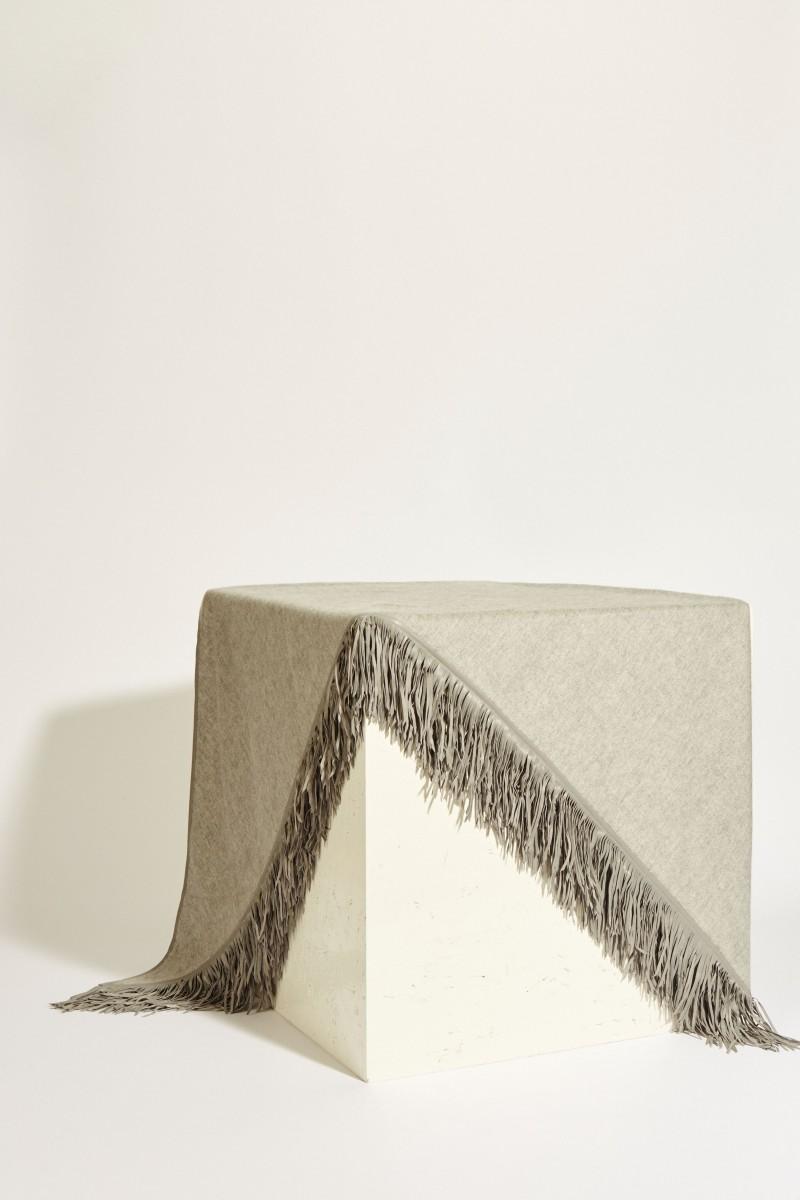 Doubleface-Cashmere-Plaid mit Lederfransen Grau