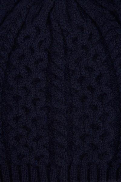 Uzwei Cashmere hat with cable stitch Navy