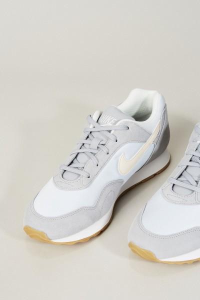 Sneaker 'Nike Outburst' Grau