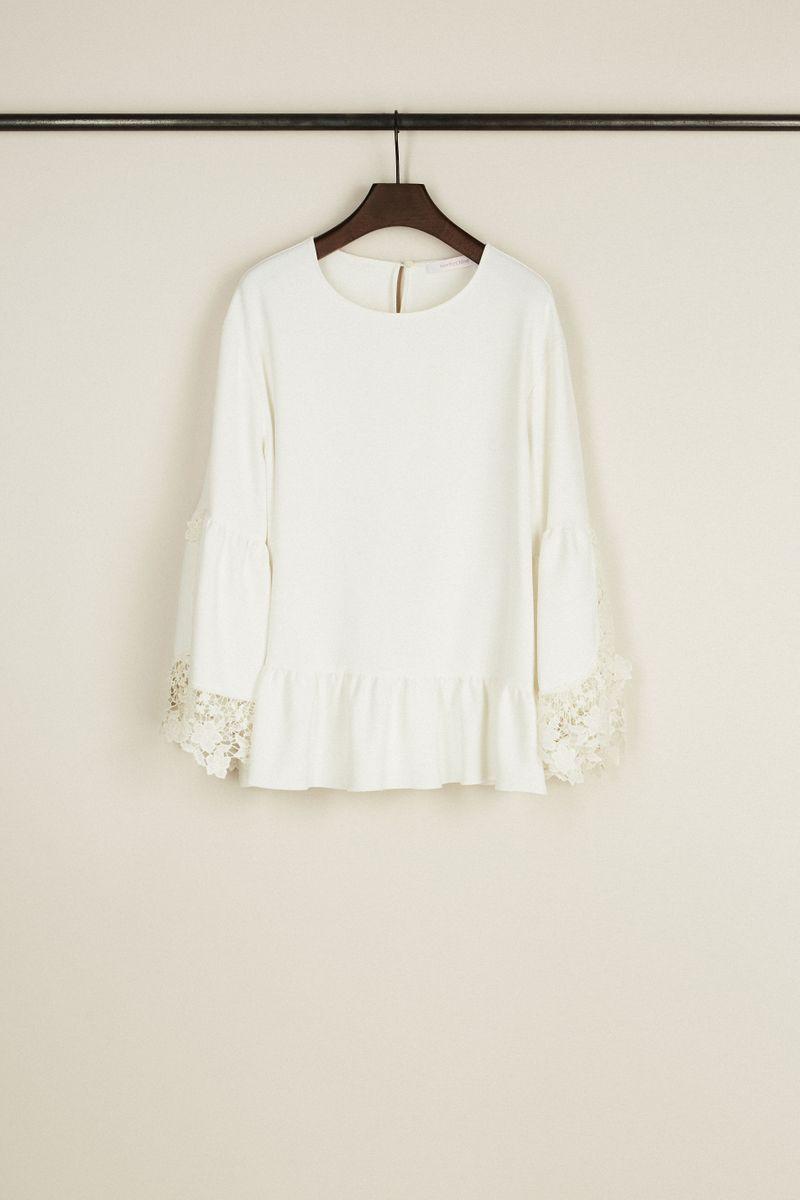 Bluse mit Glockenärmel und Volant-Details Crèmeweiß