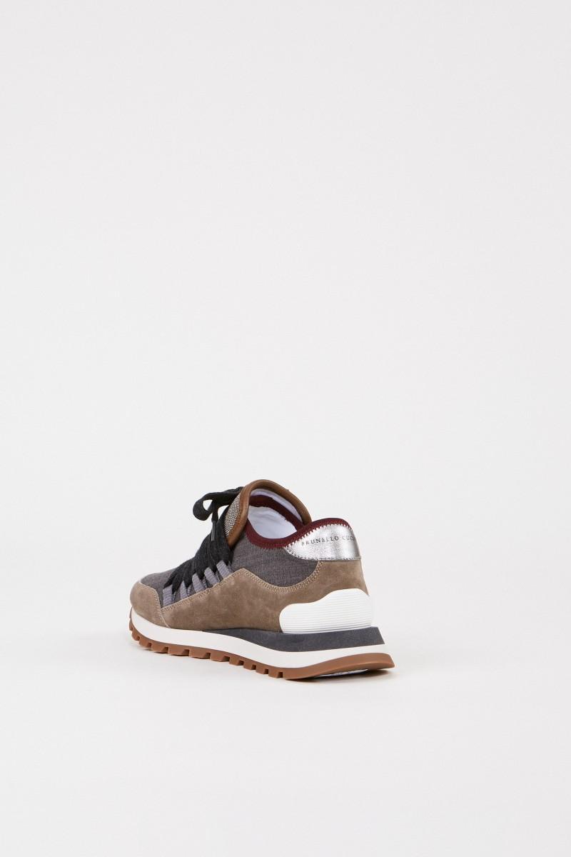 Veloursleder-Sneaker mit Perlenverzierung Taupe/Multi