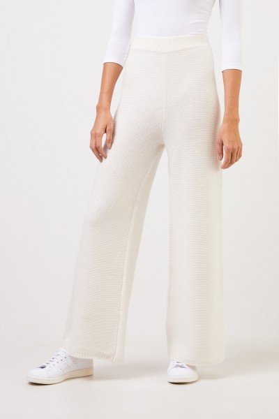 Uzwei Cashmere trousers with wide leg White