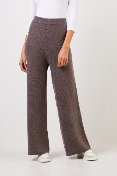 Uzwei Cashmere trousers with wide leg Brown