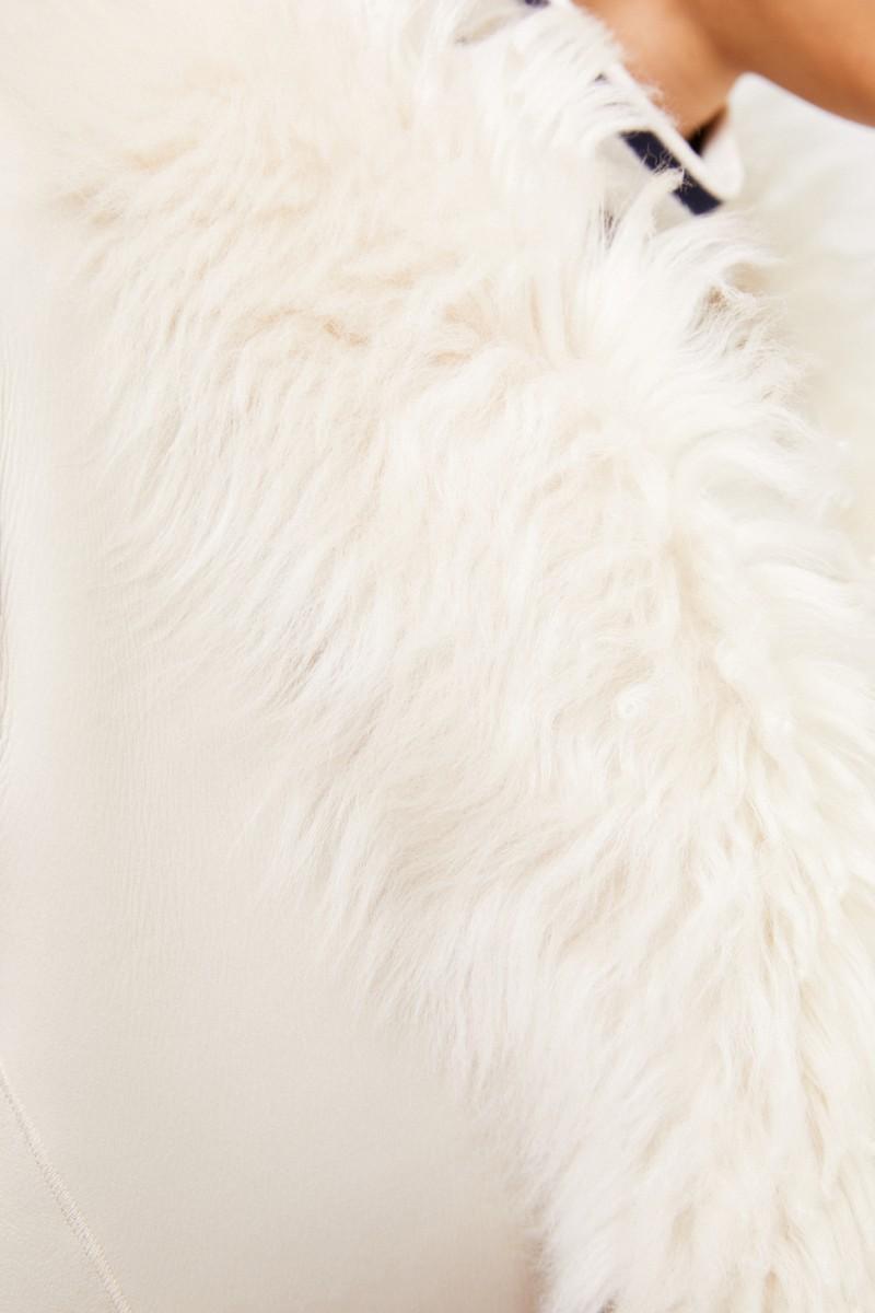 Furry Lammfell-Wendejacke Beige