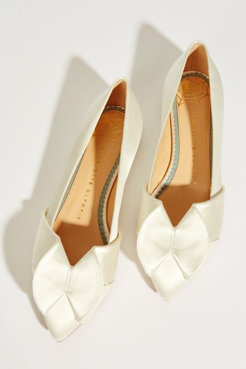 Charlotte Olympia Satin-Brautflat mit Schleifendetail Weiß