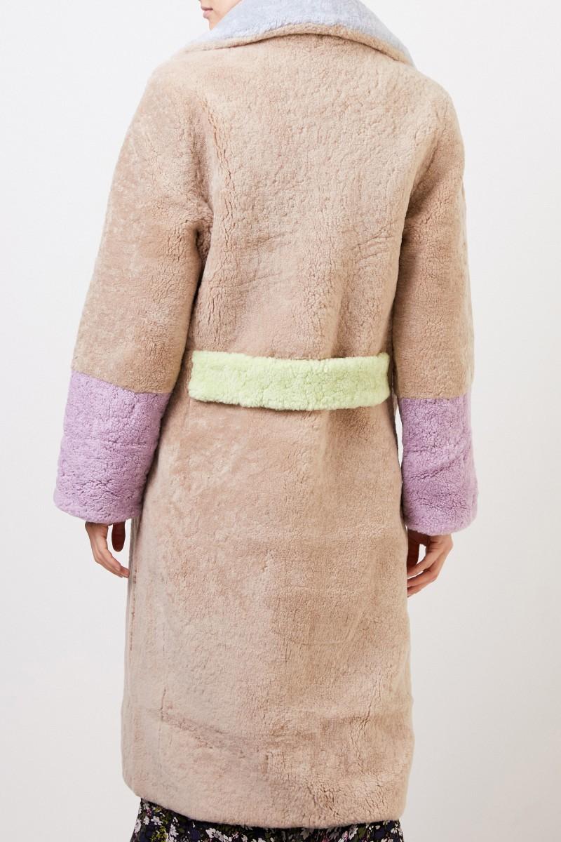Saks Potts Lammfellmantel 'Febbe Coat' in Colour-Block-Optik Beige/Flieder/Hellblau