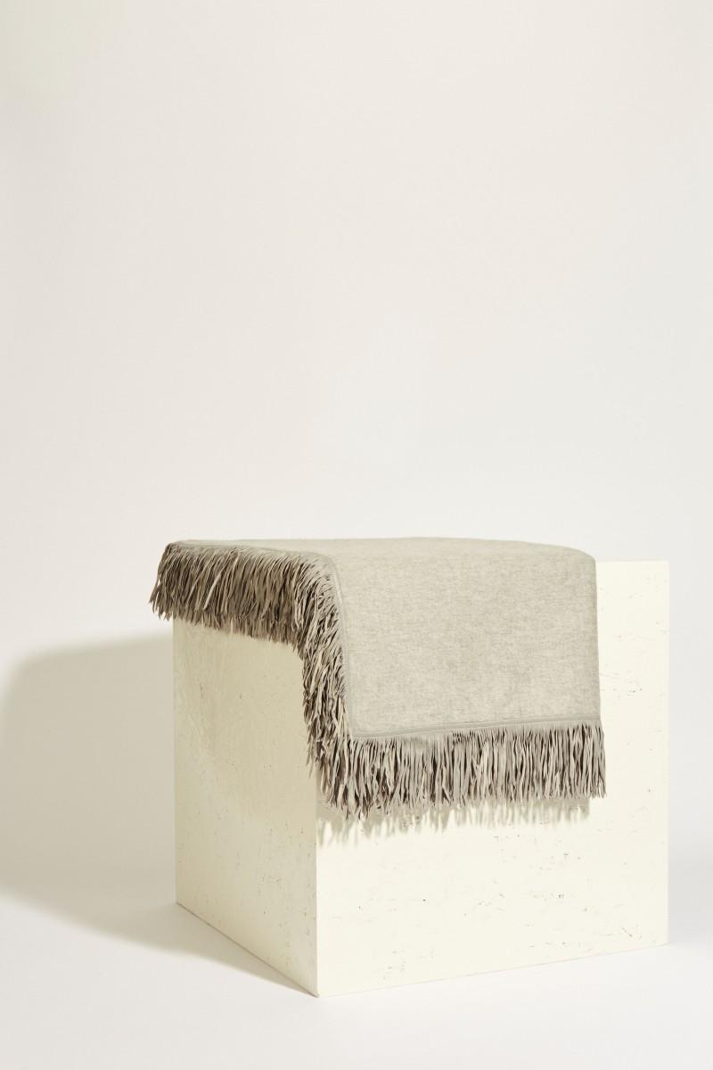 Uzwei Quadratisches Cashmere-Plaid mit Fransen Grau