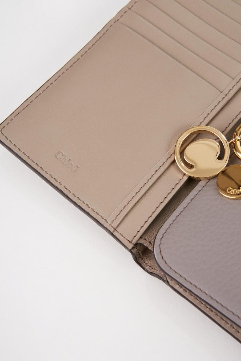Chloé Leder-Portemonnaie 'Alphabet Small' Cashmere Grey
