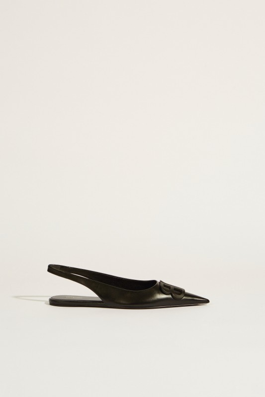 Spitzer Leder-Flat mit Logo Schwarz