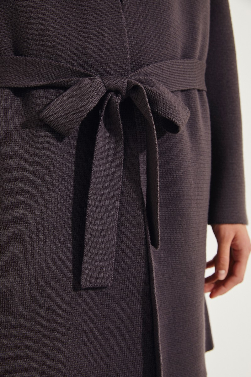Strickmantel mit Gürtel-Detail Braun