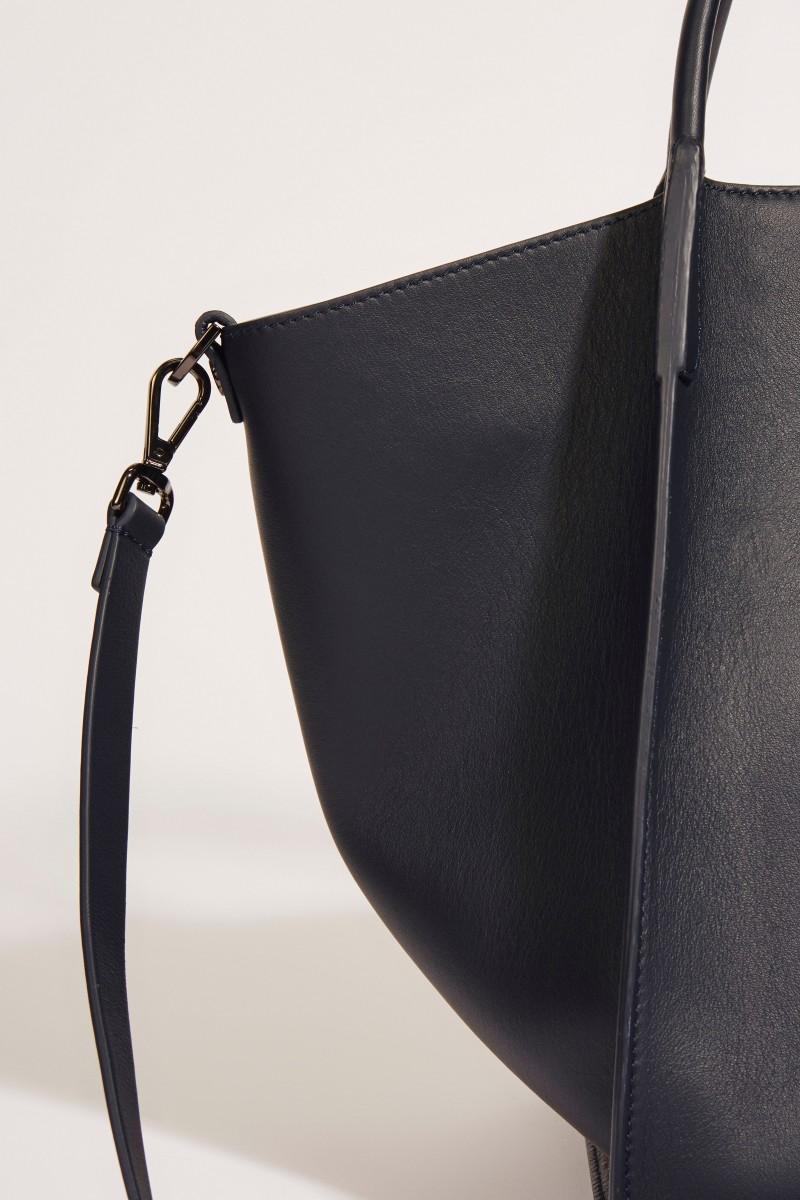 Leder-Tasche 'Viola' mit perlenverzierter Lasche Blau