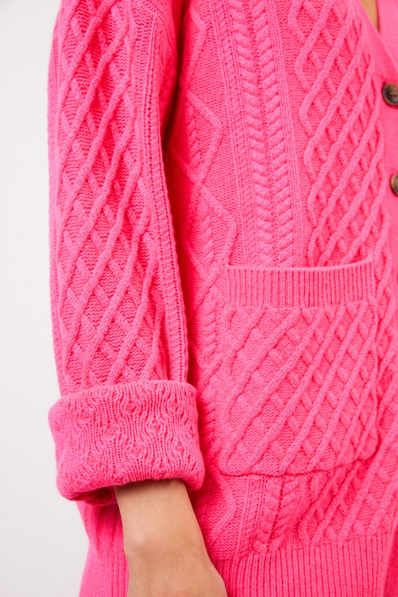 Uzwei Cashmere cardigan with cable stitch Pink