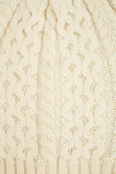 Uzwei Cashmere hat with cable stitch Light Yellow