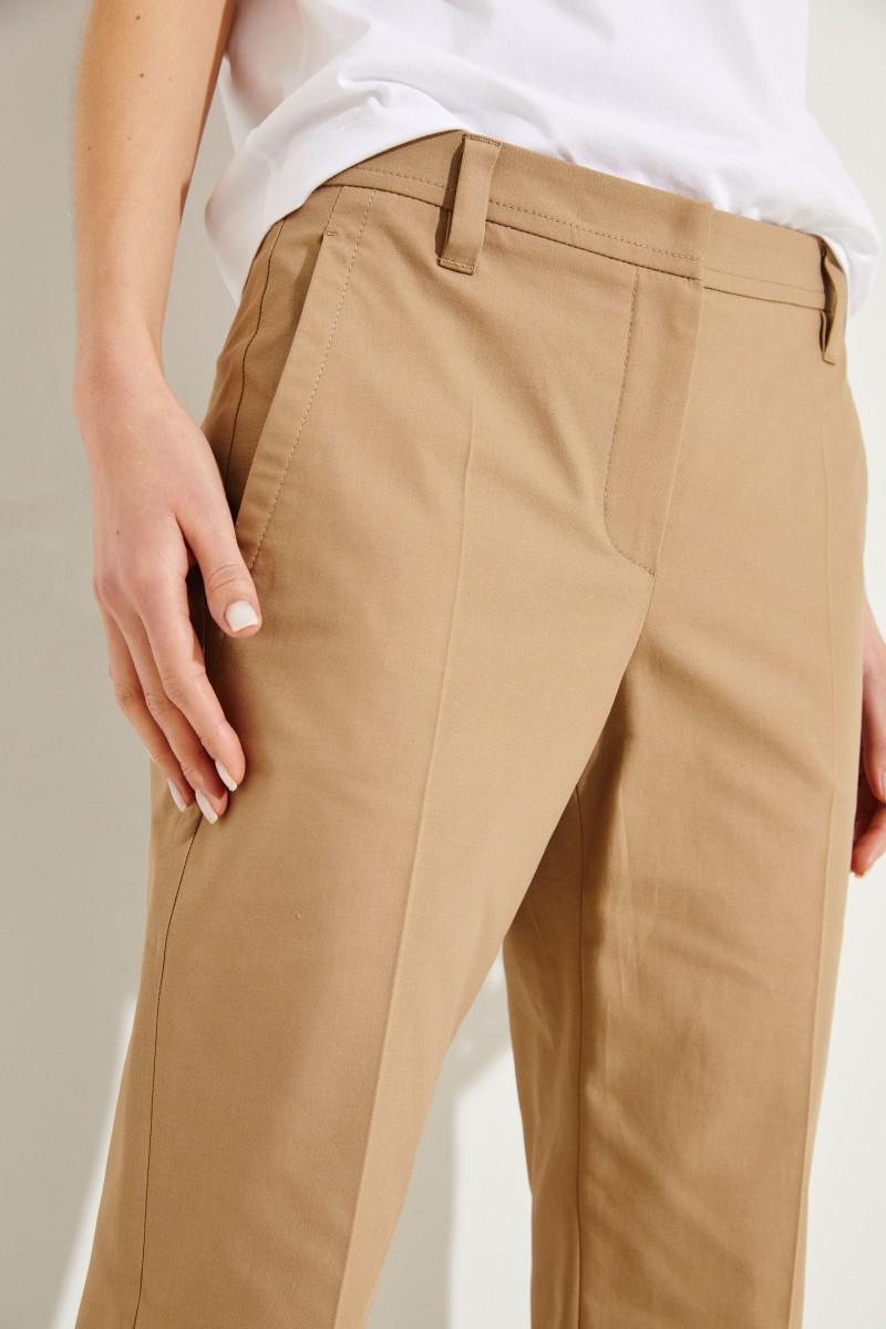 Baumwoll-Hose mit geschlitzten Saumkanten Beige