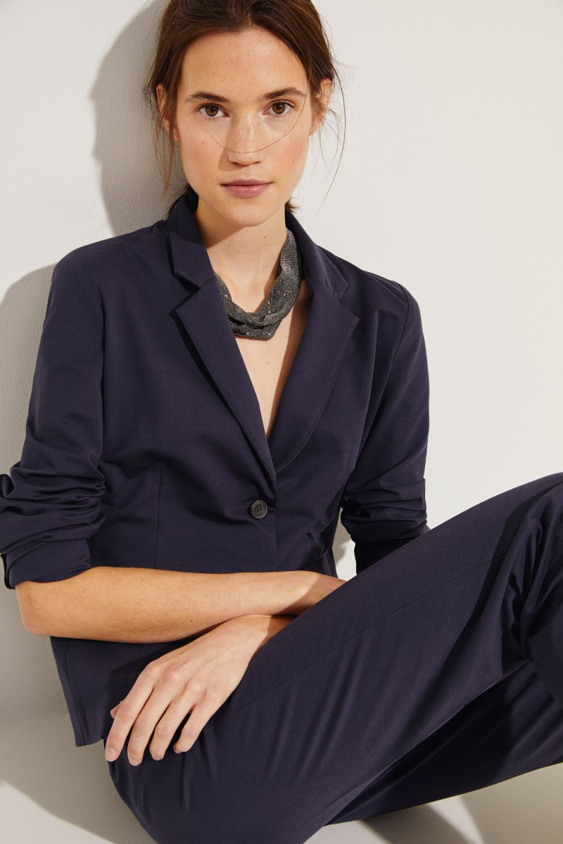 Halskette mit Perlenverzierung Silbergrau