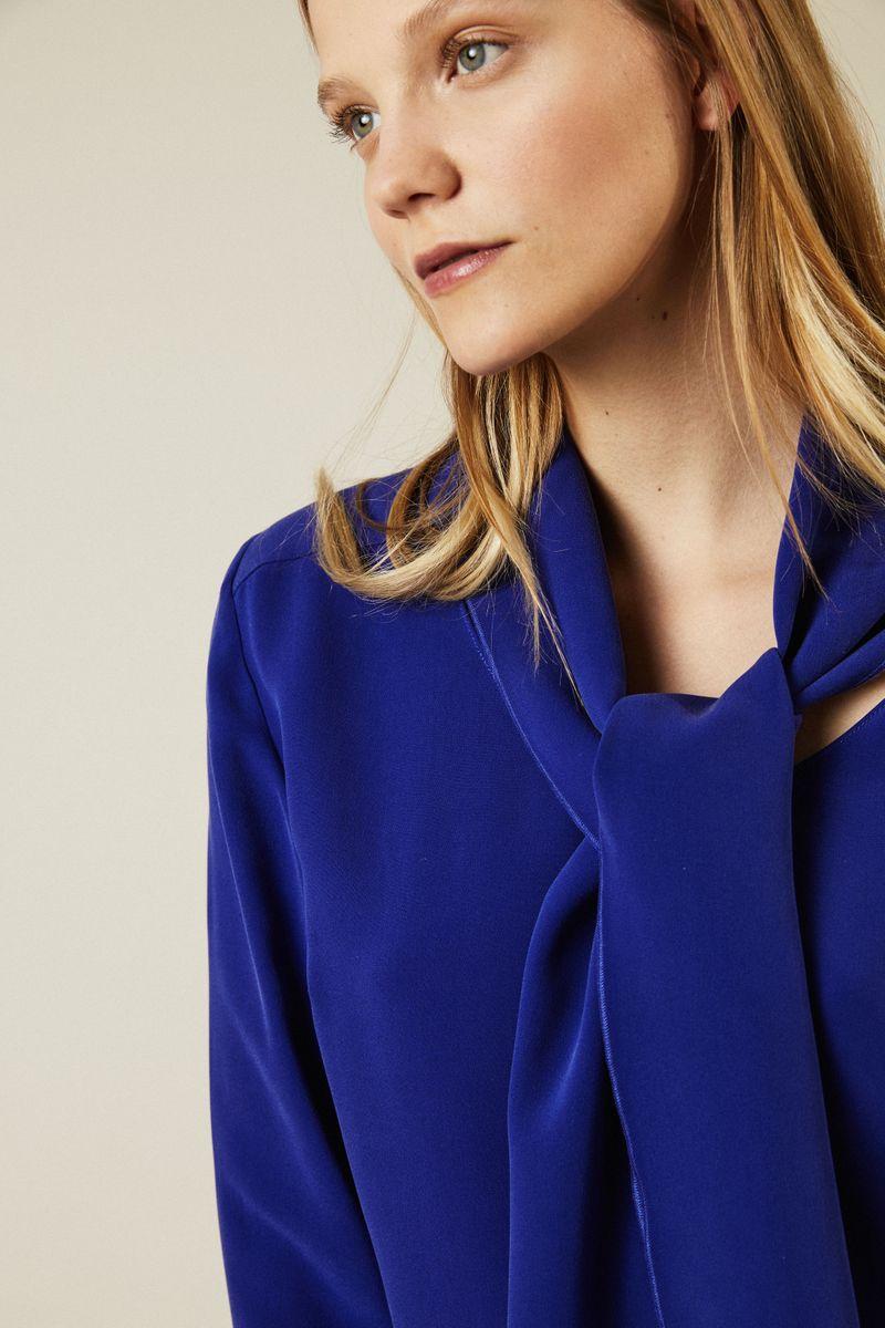 Seidenbluse mit Bindeelement 'Maple' Royalblau