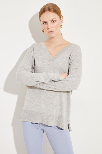 Oversize Woll-Pullover mit V-Neck Grau