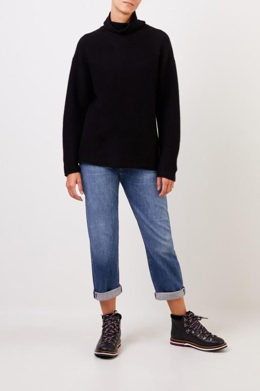 Uzwei Cashmere pullover with turtleneck Black
