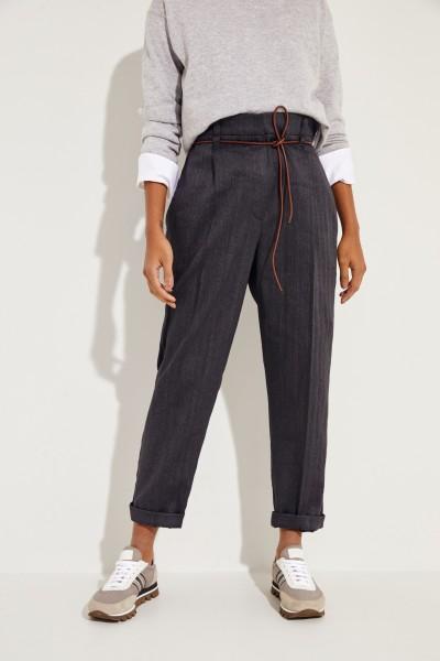 Baumwoll-Leinen-Hose mit Ledergürtel Grau