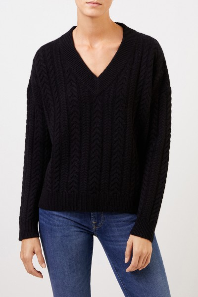 Uzwei V-neck cashmere pullover with cable stitch Black