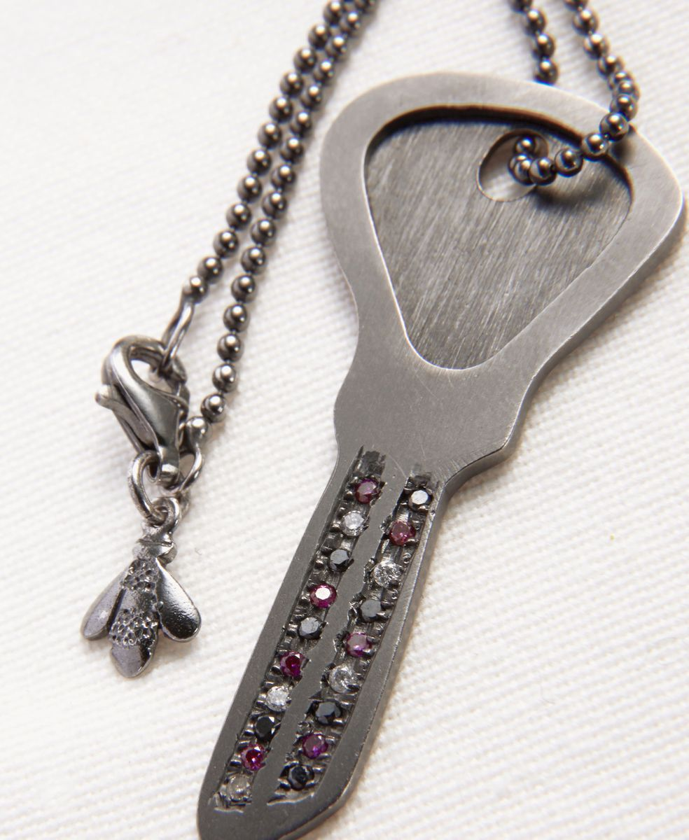 Kette mit Schlüssel-Anhänger 'Looking Glass' 18K Schwarzgold