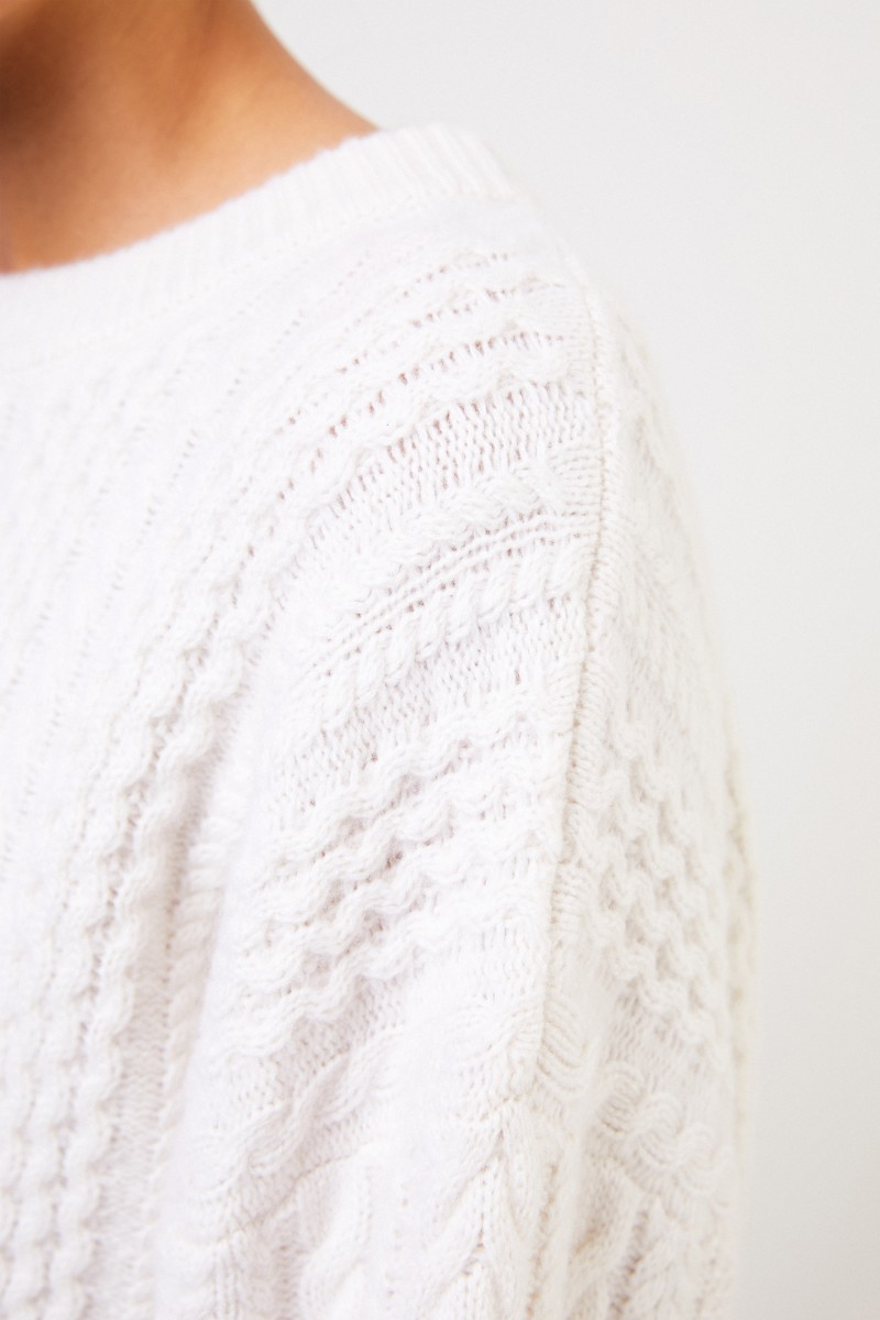 Uzwei Cashmere pullover with cable stitch White