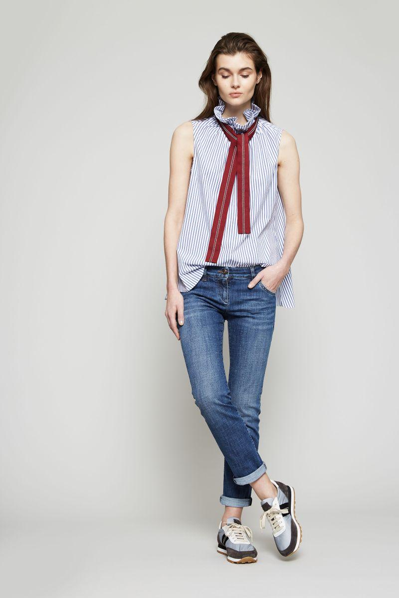 Straight Leg Jeans Mittelblau
